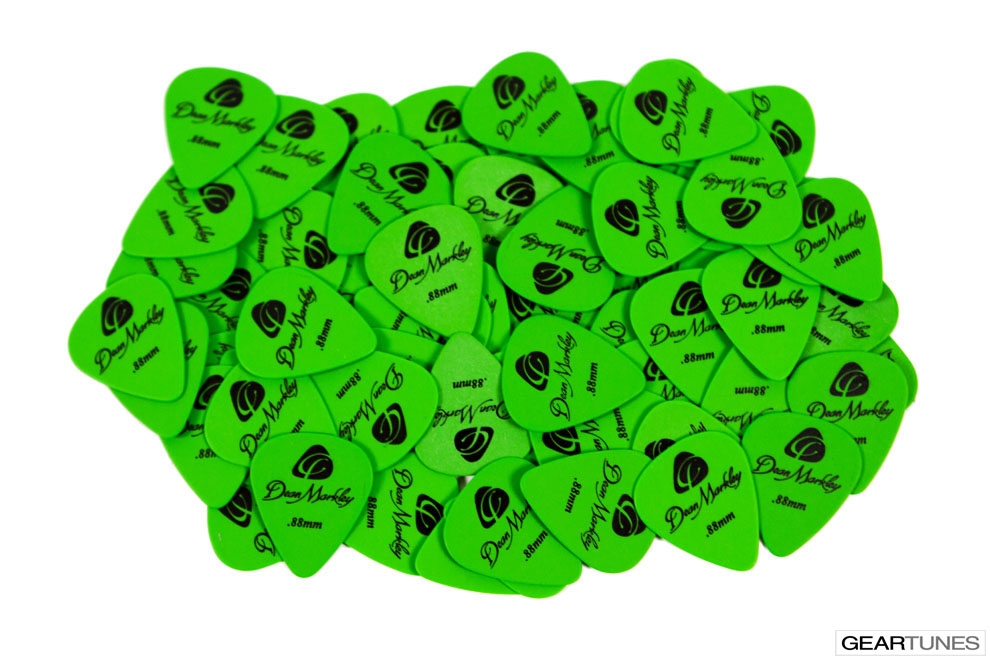 Picks Dean Markley Refill Bag of 72 .88mm Green Delrin Picks 2