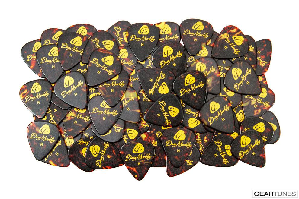 Picks Dean Markley Refill Bag of 72 Heavy Tortoise Picks 2