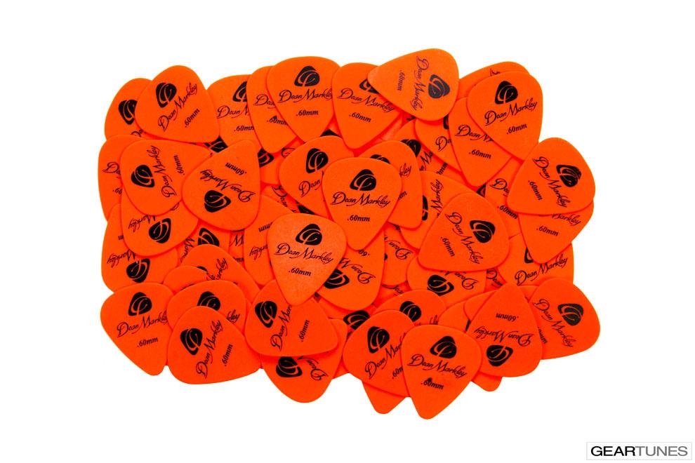 Picks Dean Markley Refill Bag of 72 .60mm Orange Delrin Picks 2